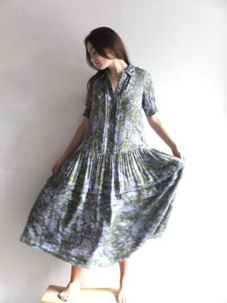 vestido de viscosa estampado attic and barn ss21 amma bilbao